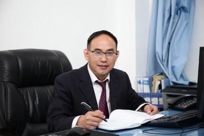 校长助理、党委委员左志安